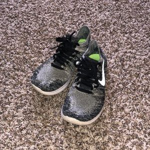 Youth Nike Knit Fly Sneakers